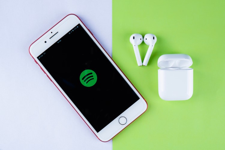 How to Use Siri with Spotify on iPhone and iPad Explained